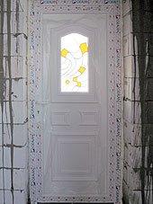 Фасадная дверь витраж рубин