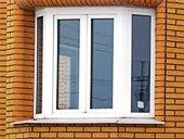 окно с угловыми соединениями